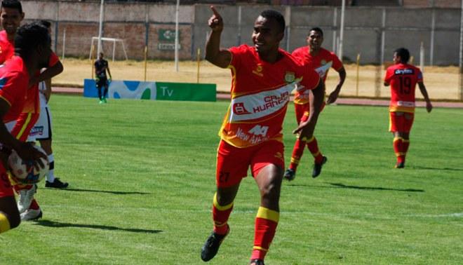"""Sport Huancayo: Luis Trujillo seguirá una temporada más en el 'Rojo Matador"""""""