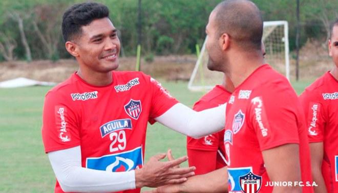 Alberto Rodríguez tuvo calurosa bienvenida por Teo Gutiérrez en Junior de Barranquilla [VIDEO]