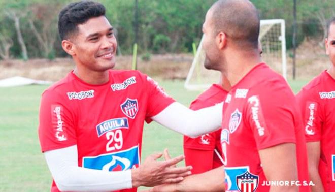 Alberto Rodríguez fue recibido en el Junior de Barranquilla por Teo Guitiérrez