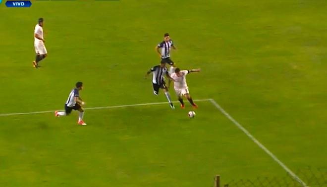 ¡COMO EN SUS MEJORES TIEMPOS! Juan Vargas se mandó con jugadón ante Alianza Lima [VIDEO]