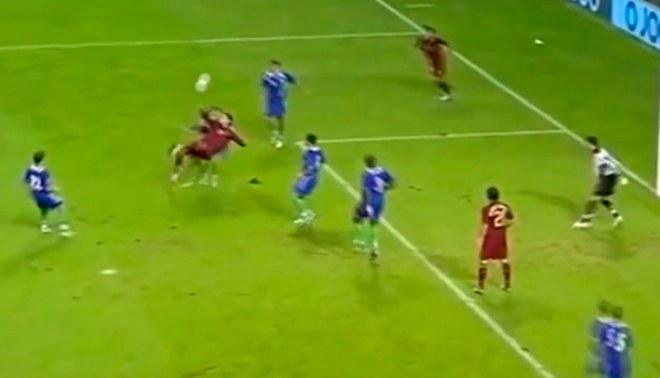 Cristiano Ronaldo ya había marcado un gol del chalaca en el 2006, pero... [VIDEO]