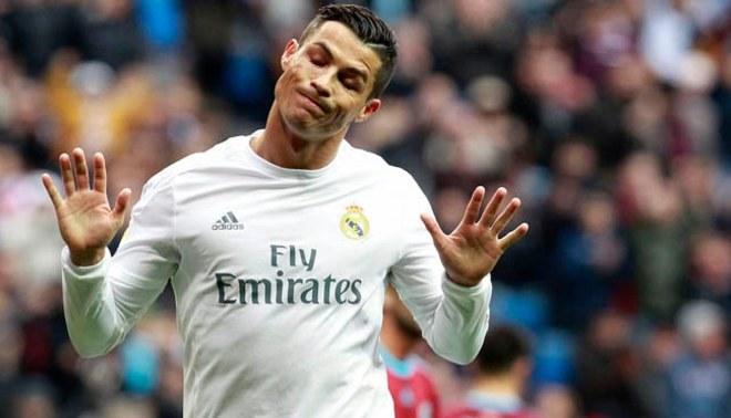Cristiano Ronaldo: ¡LO VOLVIÓ A HACER! Mira su golazo de chalaca en el entrenamiento [VÍDEO]