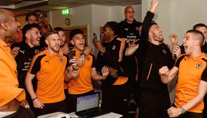 Premier League: Así celebraron los jugadores del Wolverhampton el ascenso a primera división [VIDEO]