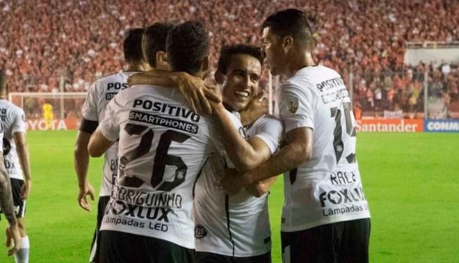 Corinthians venció de visita 1-0 a Independiente por la Copa Libertadores [RESUMEN Y GOLES]