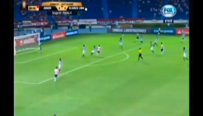 Alianza Lima vs. Junior: Error defensivo blanquiazul provocó gol del 'tiburón' [VIDEO]