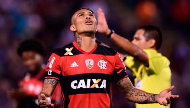 Flamengo detiene renovación de Paolo Guerrero por excesiva petición
