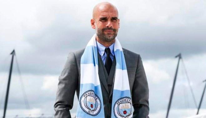 Manchester City  Pep Guardiola seguirá al mando de los  Citizens ... 76fb7a96d6ae3