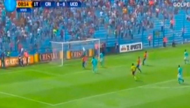 Josepmir Ballón protagonizó blooper de la fecha del torneo Apertura [VIDEO]