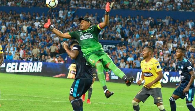Barcelona SC rescató un empate 2-2 ante Emelec en el 'Clásico Astillero' de Ecuador [RESUMEN Y GOLES]