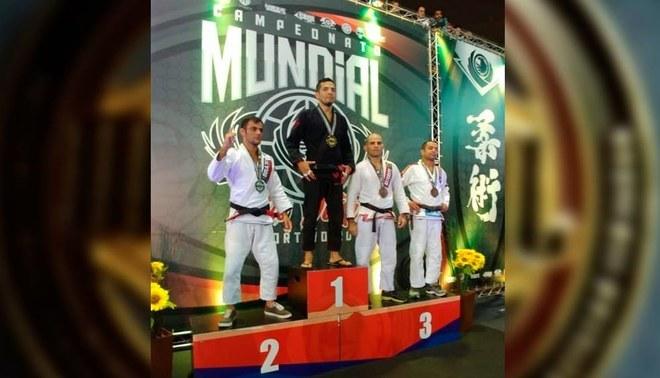 Luchador peruano salió campeón de Jiu Jitsu en Brasil