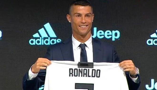 Cristiano Ronaldo fue presentado oficialmente con la Juventus