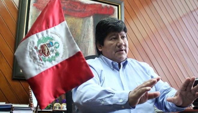Edwin Oviedo se pronuncia sobre su relación con Antonio Camayo