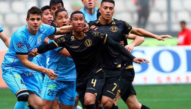 ¡Negro Porvenir! En el estreno de su nueva indumentaria la U perdió 1-0 ante Garcilaso