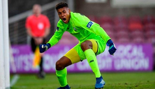 Manchester City pagó 400 mil euros por joven portero irlandés de 16 años