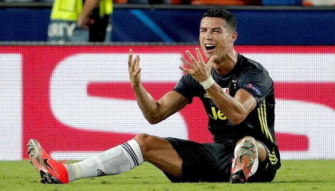 ¿Cristiano Ronaldo fue bien expulsado? Revisa las imágenes al ras del campo [VIDEO]