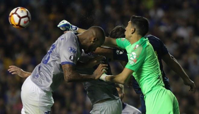 Directivos de Cruzeiro irán a la Conmebol para apelar expulsión de Dedé