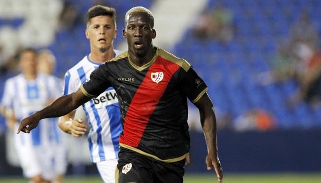 """Luis Advíncula sobre su primer gol en España:""""Se lo dedico a mi familia y a todo el Perú"""""""