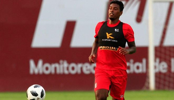 Miguel Araujo llegaría a los partidos con la Selección Peruana