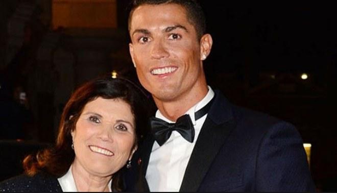 La madre de Cristiano Ronaldo pide una corriente de apoyo a su hijo de esta forma