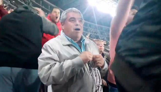 Papá de Aldo Corzo rezó en la previa del penal de Germán Denis ante Unión Comercio [VIDEO]