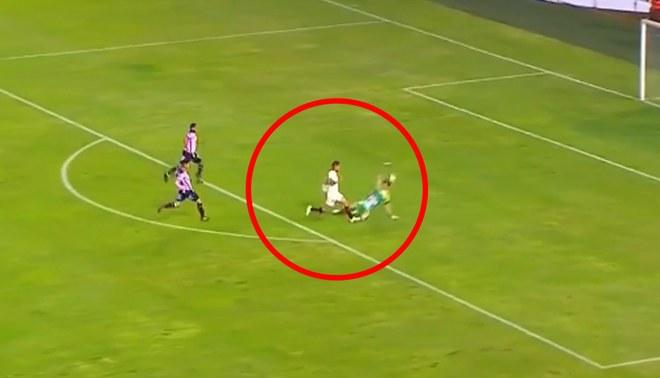 Universitario vs. Sport Boys: Germán Denis se perdió el 1-0 tras quedar mano a mano con Ferreyra [VIDEO]