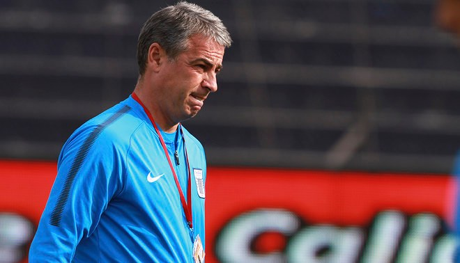Pablo Bengoechea expresó su preocupación por el trabajo del árbitro en el clásico