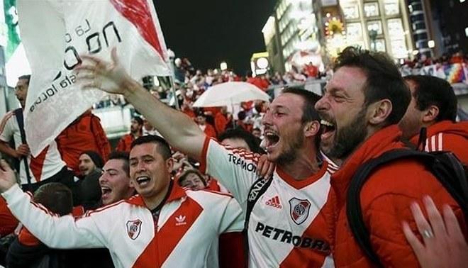 Una pareja argentina llama a su hijo River Plate en homenaje a su club