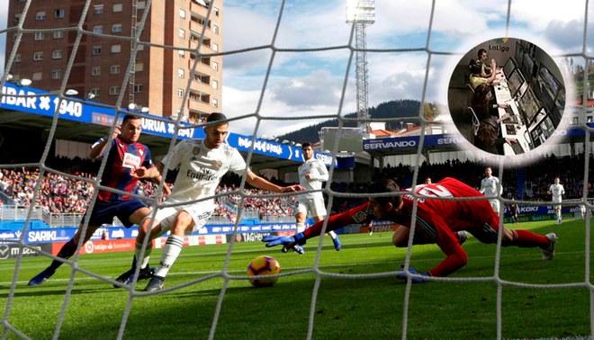 ¿Los árbitros del VAR festejaron el 1-0 del Eibar sobre el Real Madrid? [FOTOS]