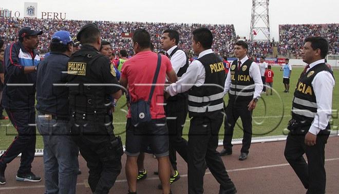 'Pepe' Soto agredió a policía en el final del partido entre Mannucci y Vallejo [VIDEO]