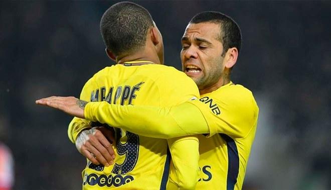 Dani Alves comparó a Mbappé con Neymar. ¿Estará de acuerdo Kylian?