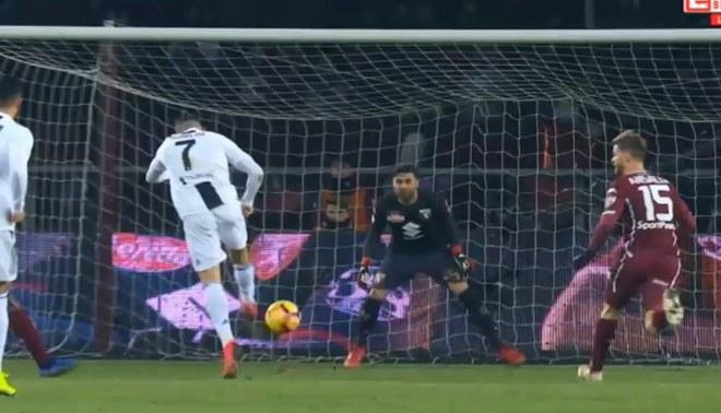 Juventus vs Torino: Cristiano Ronaldo y su horroroso remate [VIDEO]