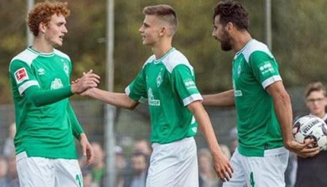 """Juvenil del Werder Bremen sobre Pizarro: """"Es como un padre para mí, sus consejos me ayudan mucho"""""""