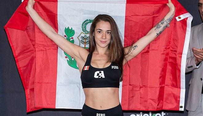 María Paula Buzaglo vs. Alitzel Mariscal. Foto: Combate Américas