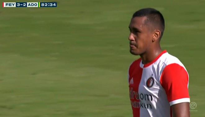 Renato Tapia anotó autogol en el Feyenoord