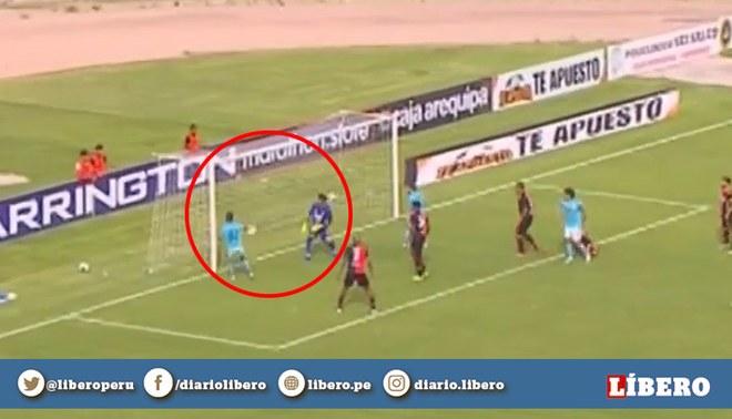 ¡Tan solo a los dos minutos! Cristian Palacios pone el 1-0 para Sporting Cristal. Créditos: captura de pantalla.