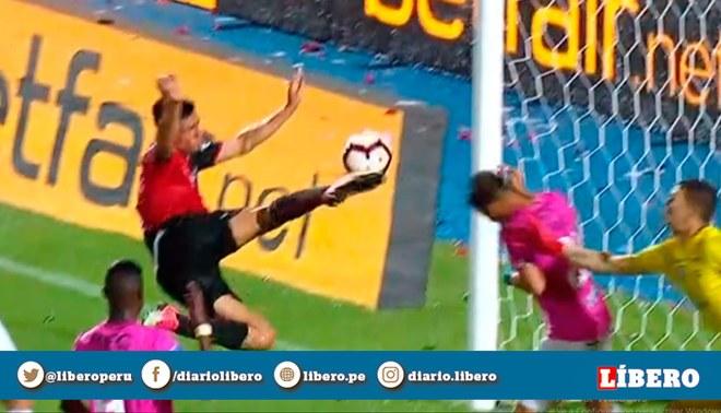 Colón vs Independiente del Valle: Emanuel Olivera descuenta 2-1 en final de la Sudamericana. | Foto: Captura