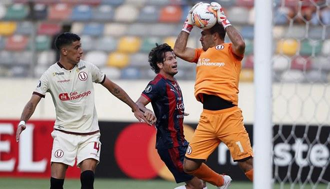 Universitario no pudo ganar en casa al Cerro Porteño. Foto: EFE