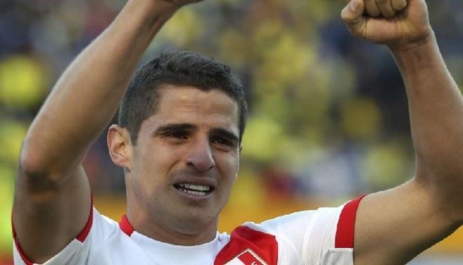 """Aldo Corzo está de cumpleaños: recuerda la vez que casi se queda """"sin cabeza"""" ante Colombia. Créditos: AFP."""