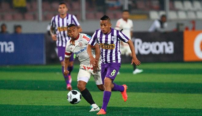 Christian Cueva enfrenta a Universitario con camiseta de Alianza Lima.
