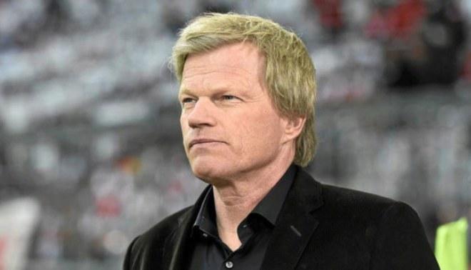¡Así no, Oliver! Kahn fue captado usando incorrectamente su mascarilla en el Bayern vs Frankurt. Créditos: AFP.