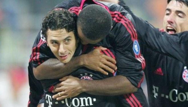 Claudio Pizarro anotó un golazo en el 2004 en la Champions League   Foto: Difusión