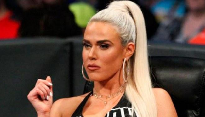 WWE: Madre de Lana se encuentra en cuidados intensivos por coronavirus