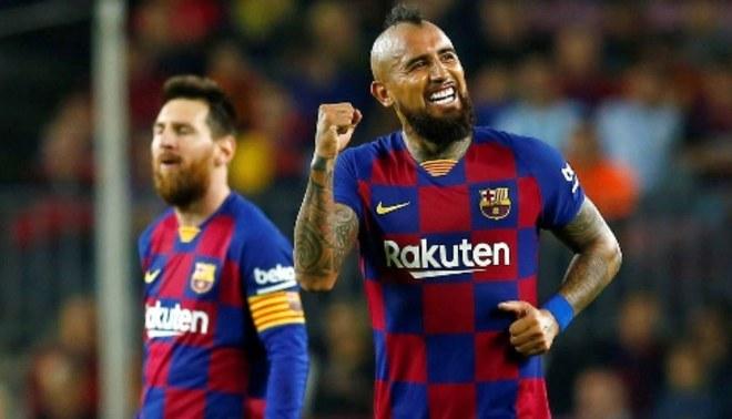 Barcelona contempla la continuidad del chileno Arturo Vidal por un año más | FOTO: EFE