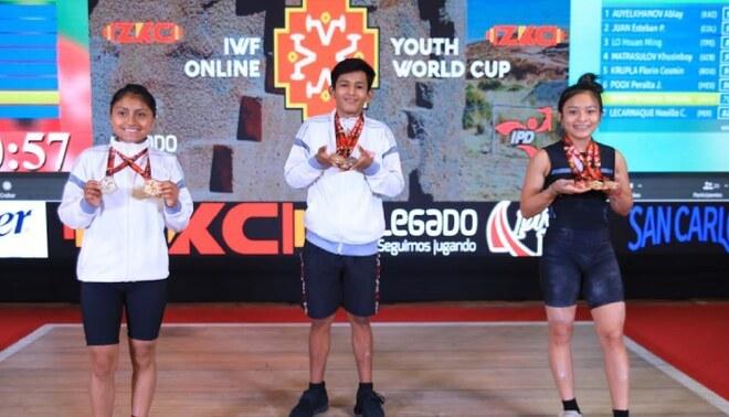 Los medallistas peruanos en el primer día de la Copa Mundial de Levantamiento de Pesas Sub 17. Foto: Difusión