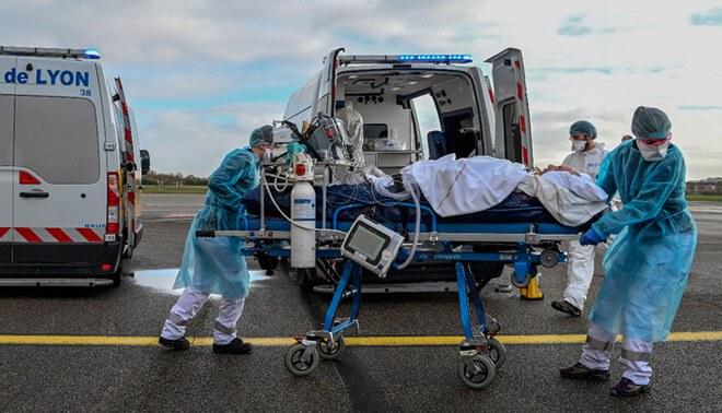 Cada 17 segundos muere una persona por COVID-19 en Europa — Foto: EFE