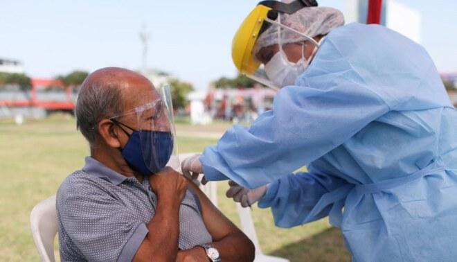 Pongo el hombro: nuevas fechas de vacunación tras reprogramación del 4, 5 y 7 de mayo