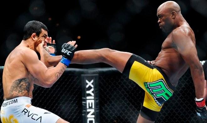 Anderson Silva le aplica su fantástica pata frontal a Vitor Belfort