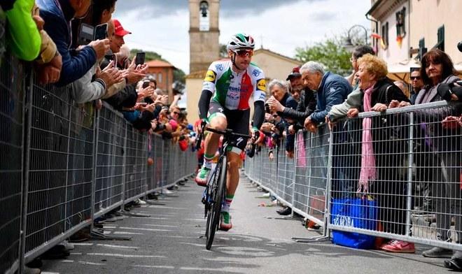 Elia Viviani ganó la tercera etapa Giro de Italia 2019