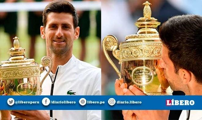 Novak Djokovic y su celebración tras salir campeón de Wimbledon 2019