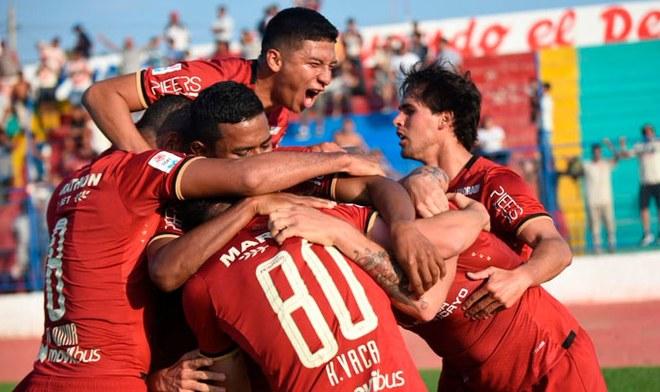 Vaca y Denis sentencian la victoria de Universitario en Olmos ante Pirata FC